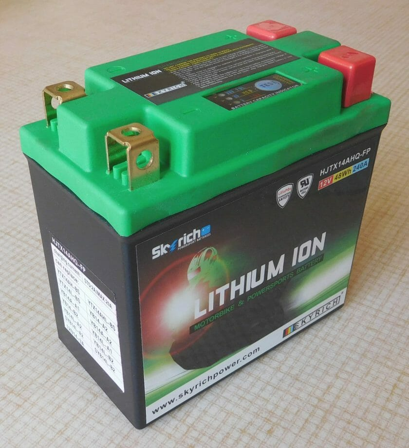 Lithium iron phosphate battery 12 V 48 Wh 240 A
